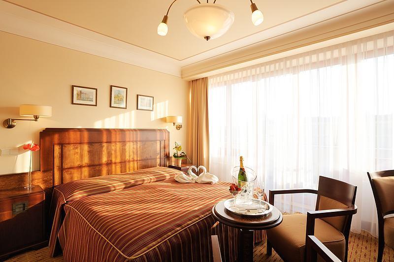 room-artdeco-02